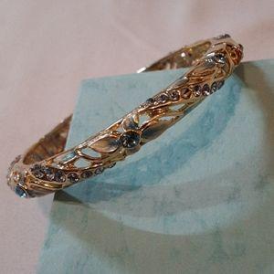 Gold/Aquamarine Clasp Bracelet